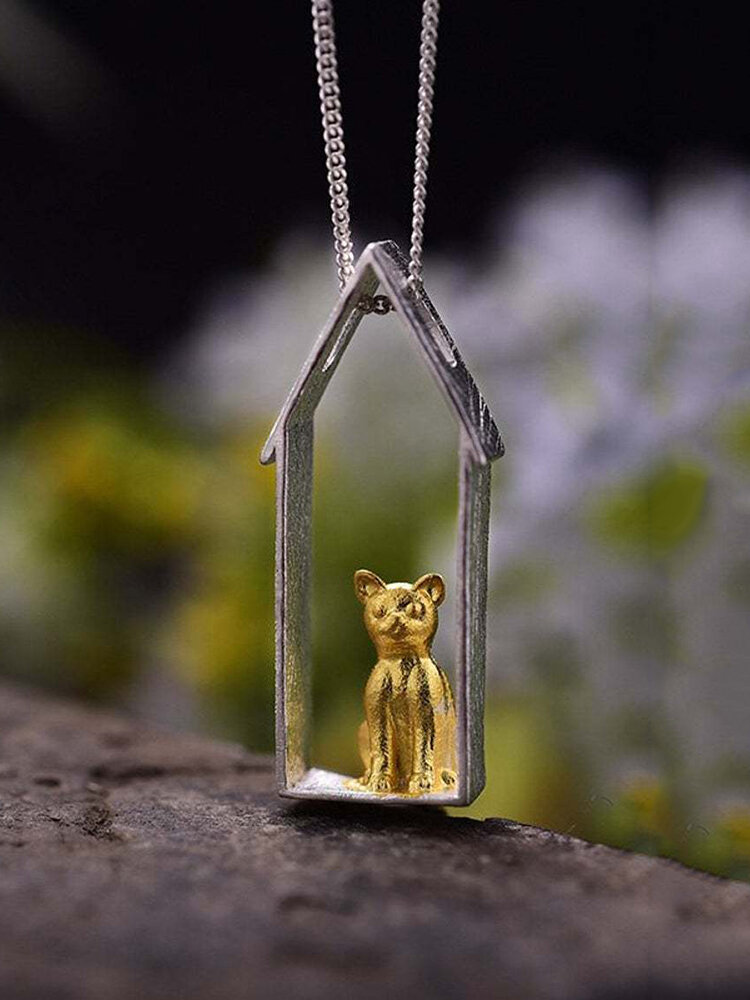 Cute Two-Color Animal Women Necklace Cat Sitting On The Windowsill Pendant Necklace Jewelry Gift