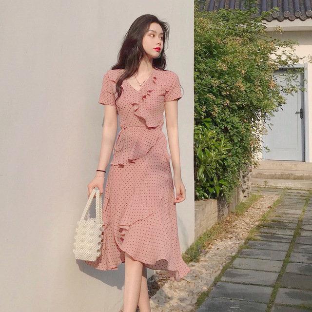 Polka Dot Ruffled Short-sleeved V-neck Dress