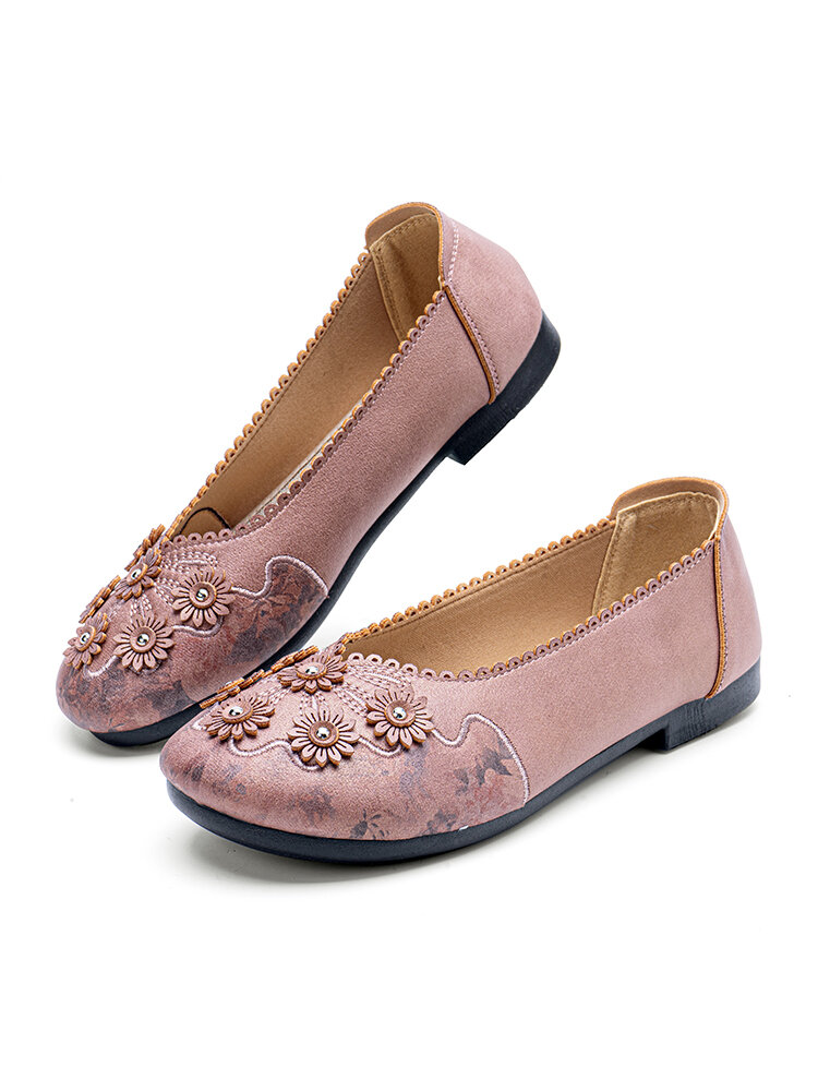 Women Embroidered Flower Decoration Jagged Side Solid Color Comfortable Loafers Shoes