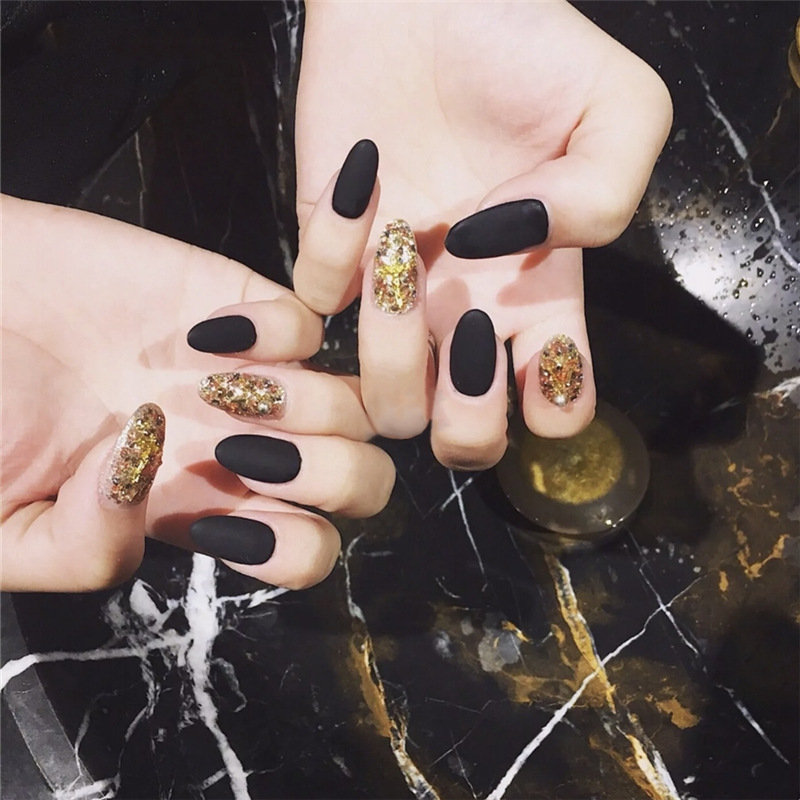 Black Matte Rounded Fake Nails Golden Glitter Solid Color Nail Tips Nail Art