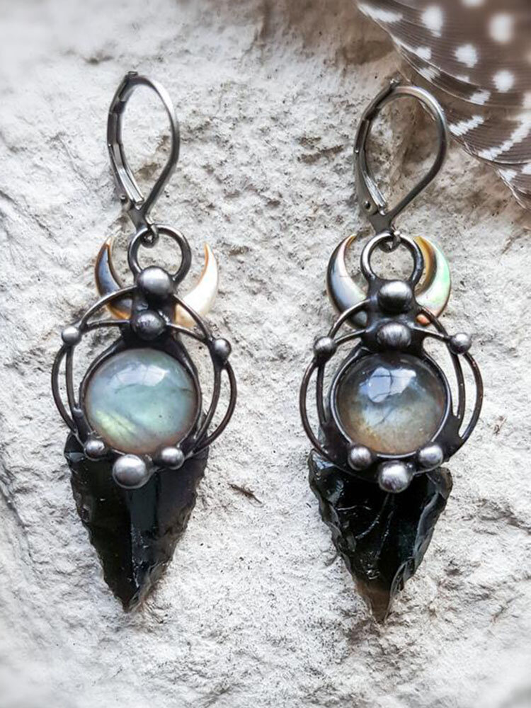 Alloy Witchcraft Black Arrow Labrador Pearl Earrings
