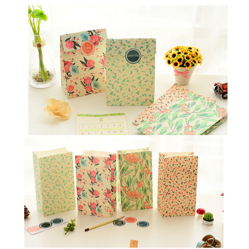4PCS Floral Pattern Paper Best Gift Bag With Stickers Candy Gift Package Wedding Festival Supplies