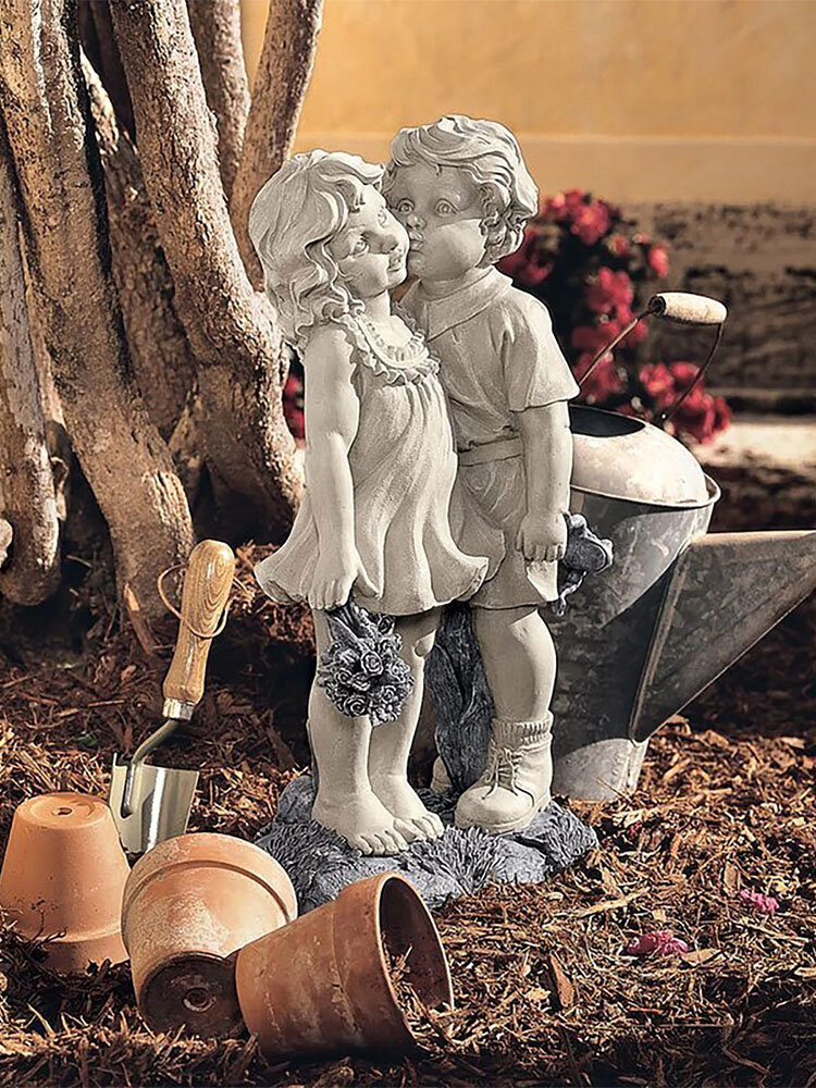 1 PC Resin Garden Statue Decoration Boy And Girl Kissing Memories Ornaments Warmth Memories Lovely Sculptures Decoration For Garden Yard