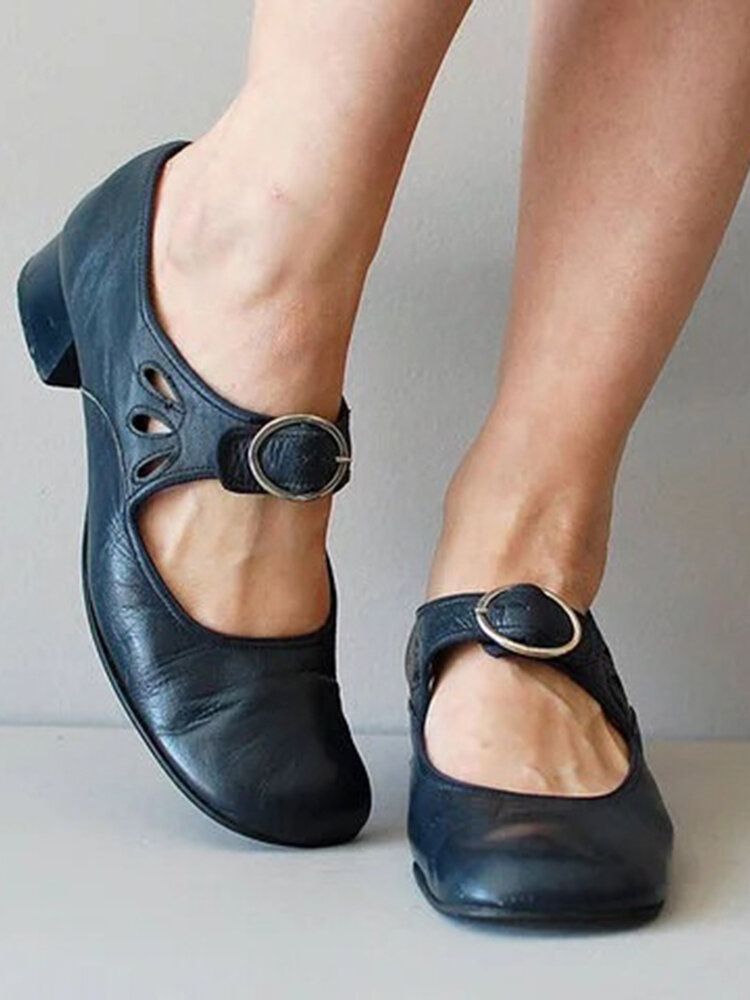 Large Size Buckle Chunky Heel Retro Casual Pumps