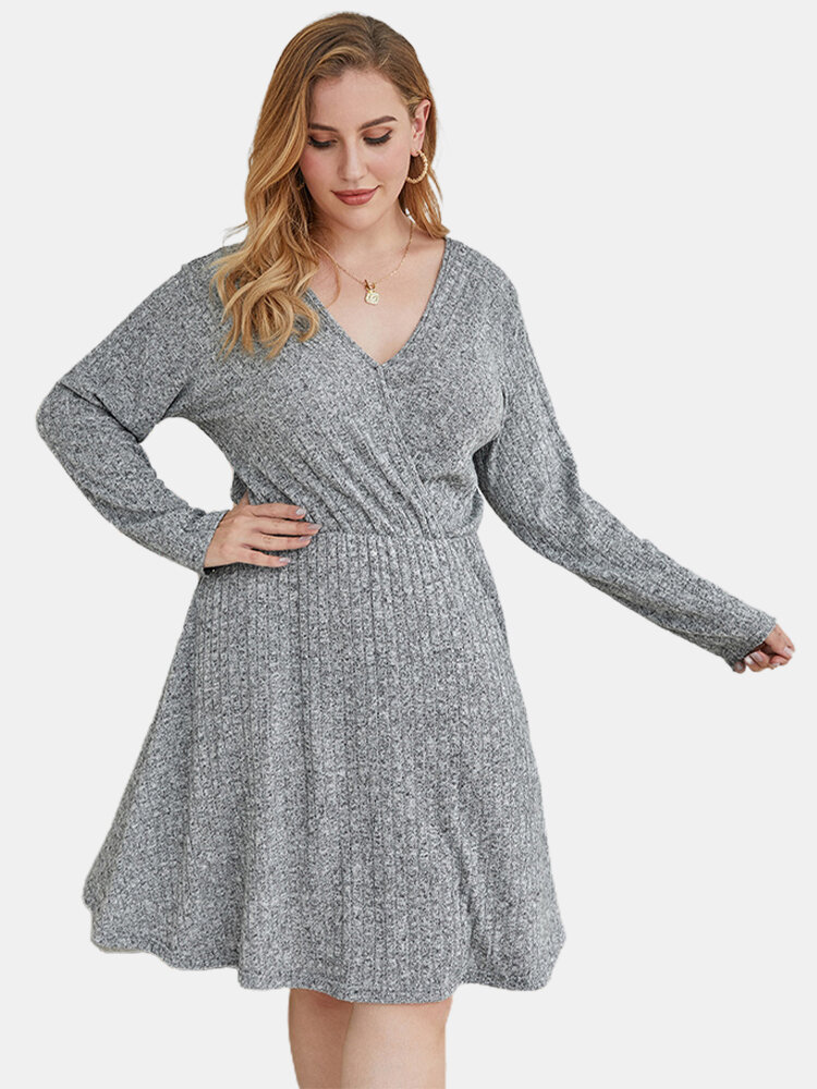 Solid Color V-neck Long Sleeve Plus Size Casual Dress