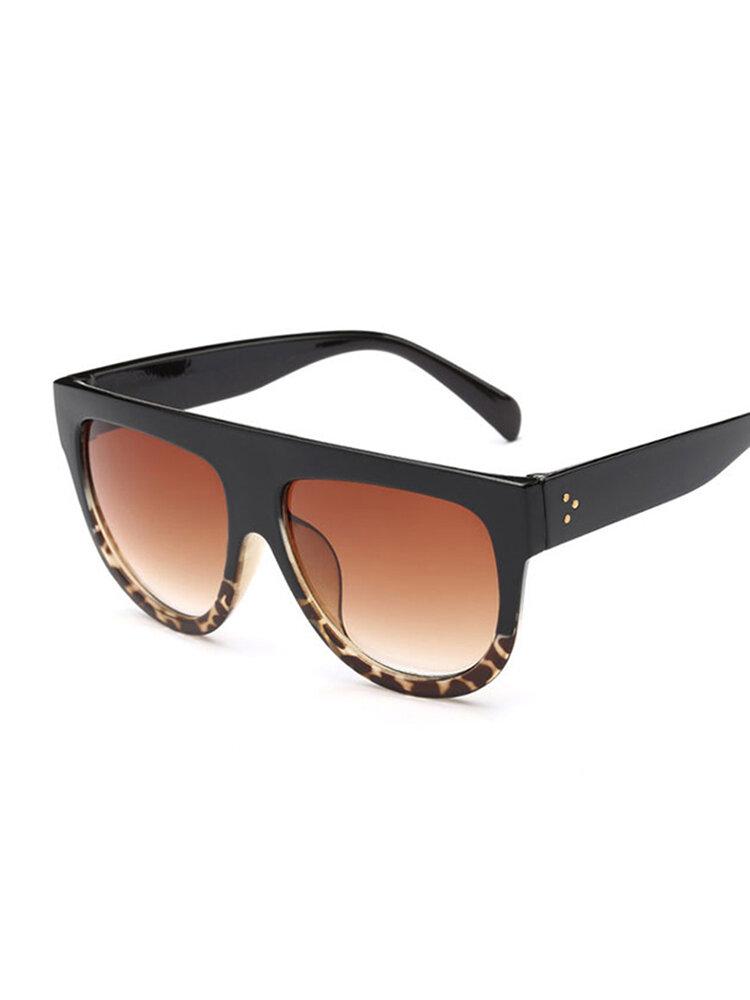 Уникальные солнцезащитные очки классические