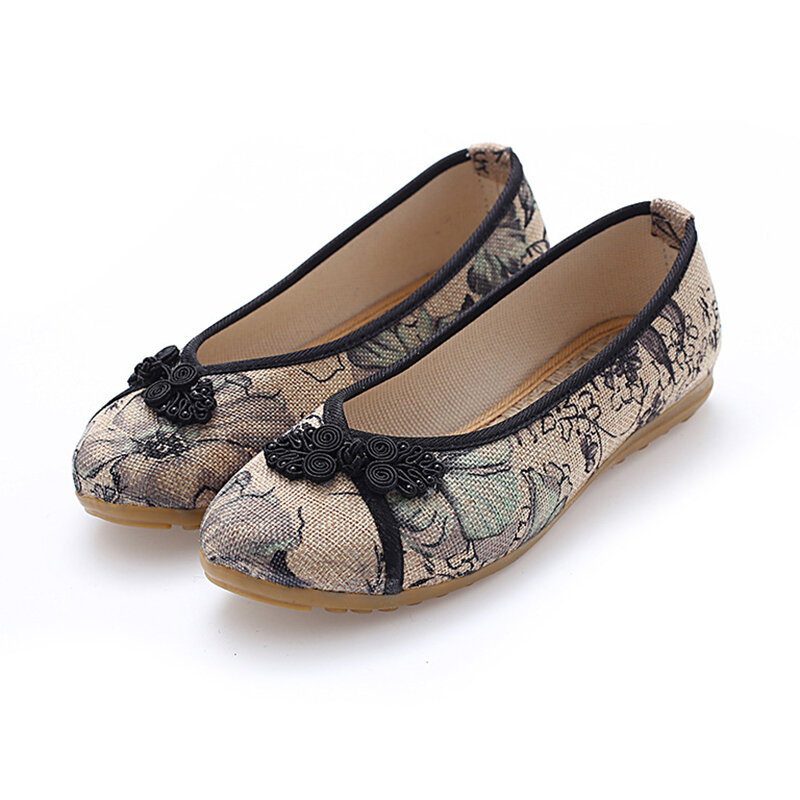 Women EmbroideredRetro Chinese StyleOld Beijing Shoes
