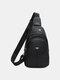 पुरुषों पु चमड़े ठोस ईरफ़ोन होल क्रॉसबॉडी बैग छाती बैग गोफन बैग - काली