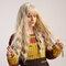 26 Zoll lange lockige synthetische Perücken Fashion Light Gold beheizte beständige Haarperücken für Damen