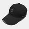 पुरुष कढ़ाई पत्र पैटर्न सादा रंग बेसबॉल टोपी आउटडोर सनशेड समायोज्य टोपी - काली