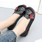 Women Flower Leather Stitching Soft Sole Retro Casual Flat Shoes