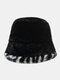 महिलाओं और पुरुषों के आलीशान गर्म Soft धारीदार पैटर्न आकस्मिक व्यक्तित्व बाल्टी टोपी - काली