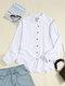 Blusa con cuello alto y botones de manga larga en color liso vendimia - Blanco