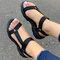 Tamanho grande feminino dedo aberto diariamente Soft sandálias rasteiras Gancho loop - Preto