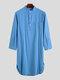 通気性の長さのヘンリー襟のデザイントップス無地コットンリネンカジュアルローブ男性用 - 濃紺