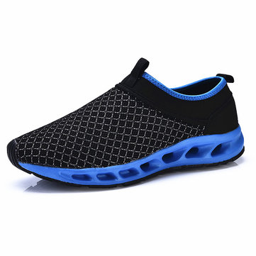 Men Running Water Shoes