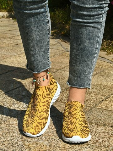 Causal Breathable Knitted Pattern Sneakers