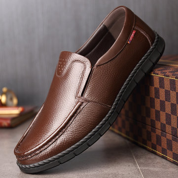 Men Classic Moc Toe Slip On Leather Shoes