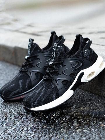 Gli uomini proteggono le scarpe antinfortunistiche traspiranti