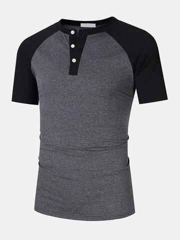 T-shirt manica raglan con bottoni a un quarto