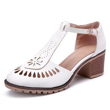 Sandálias com Salto Grosso