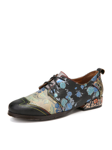 SOCOFY Retro Floral Embossed Cowhide Leather Casual Flat Shoes