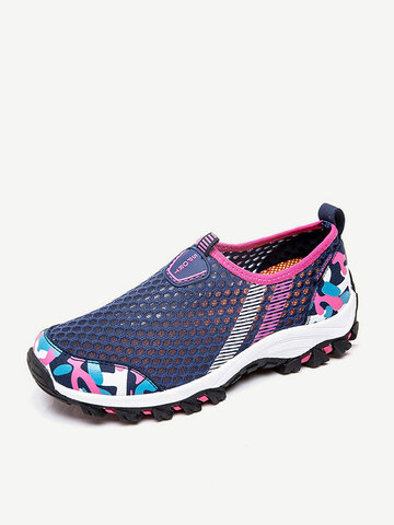 Pattern Mesh Slip On Walking Shoes