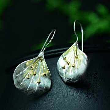 Stereoscopic Flower Earrings