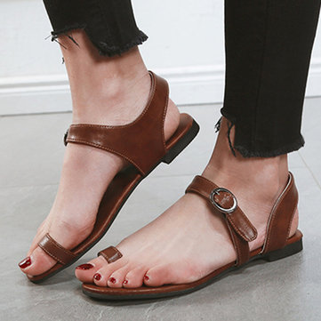 Clip Toe Buckle Flat Sandals