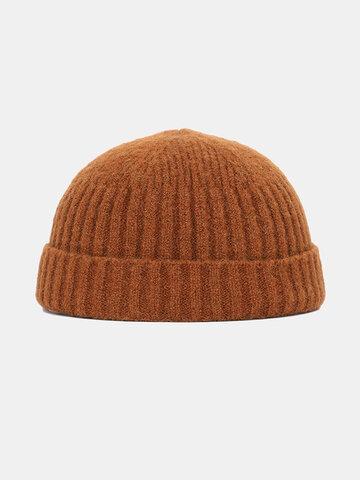 Bonnet en laine tricoté de couleur unie