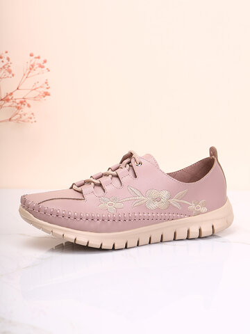 Embroidered Floral Round Toe Driving Shoes
