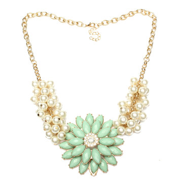 Flower Pearl Collar Necklace