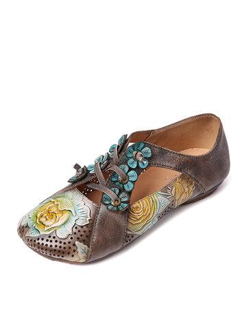 Scarpe con fiori in rilievo retrò