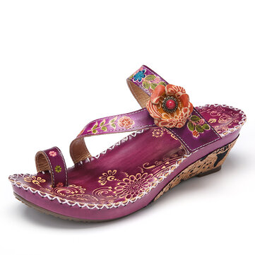 SOCOFY Floral Embossed Stitching Adjustable Strap Leather Toe Ring Slides Wedge Sandals