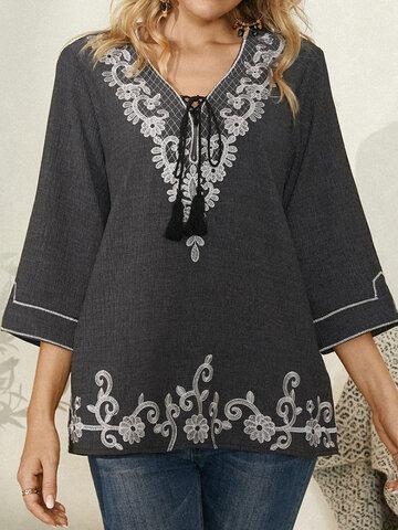 Vintage geknotete Bluse mit Blumendruck