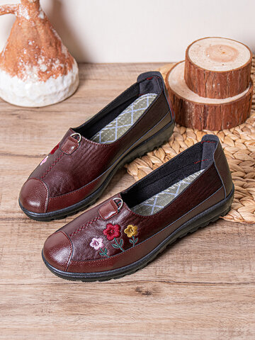 Floral Embroidered Flat Shoes