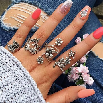 4 Pcs Silver Flower Ring Set