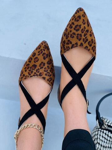 Leopardo camurça casual cruz strap flats