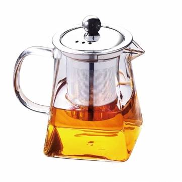 Glasteekanne mit Infuser