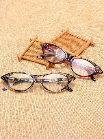 कैट आई रीडिंग चश्मा