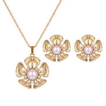 Sweet Jewelry Set Flower Pearl Rhinestone Necklace Earrings Set