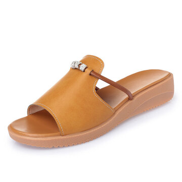 Hollow Out Slip Resistant Slippers