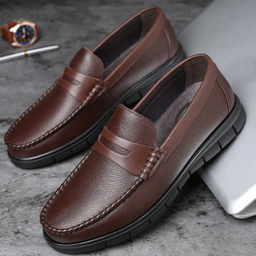 Men Classic Moe Toe Leather Loafers