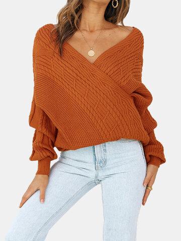 Однотонный свитер с V-образным вырезом