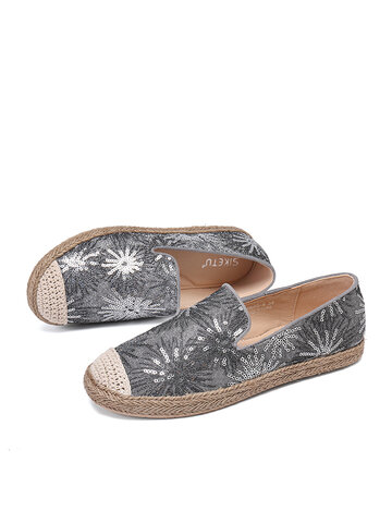 Sequined Flowers Embroidery Comfortable Boat Shoes