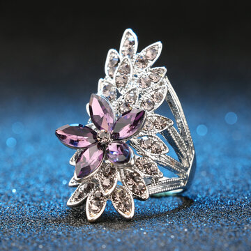 Stereoscopic Flower Ring