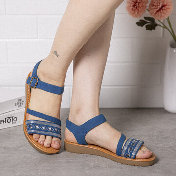 Strappy Buckle Soft Flat Sandals