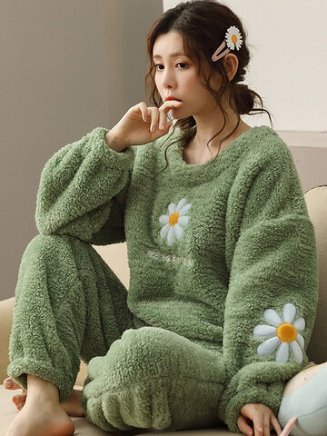 Daisy Pattern Fluffy Plüsch verdicken Pyjamas