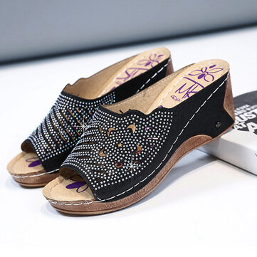 Pantofole con zeppa cuciture strass