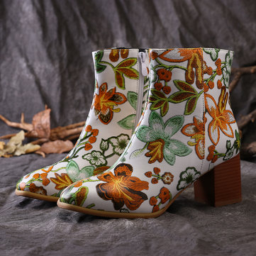 Flowers Embroideried Zipper Short Boots
